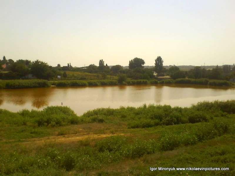 Второе озеро рядом с первым.